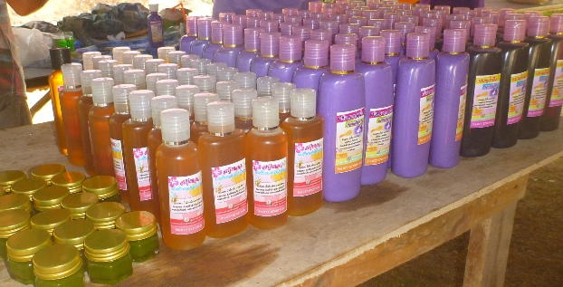 ... proudly displaying the production of the day. All the products were distributed to the participants for their private use.